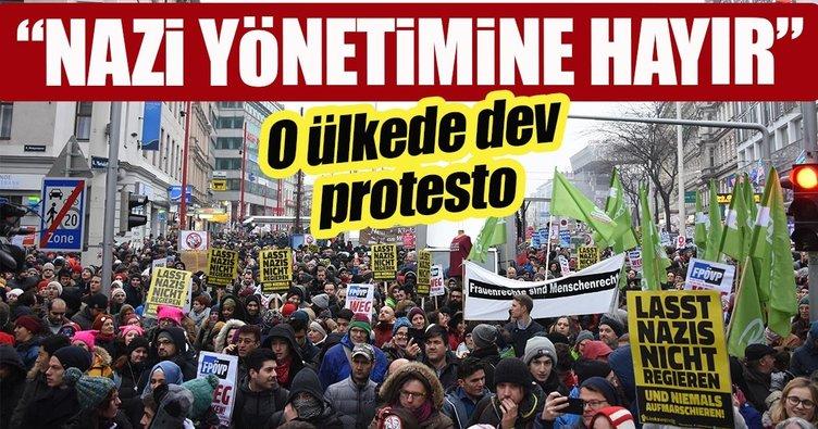 Avusturya'da yeni hükümete karşı dev gösteri