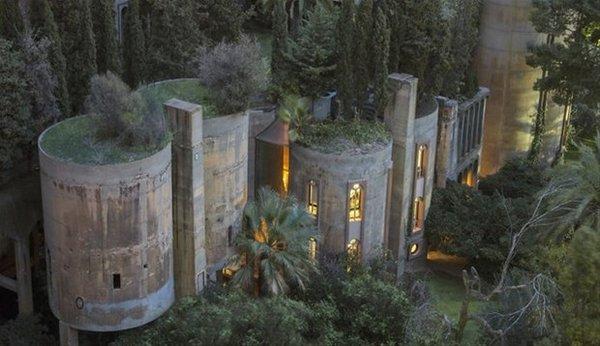 Çimento fabrikasını ev yaptı!