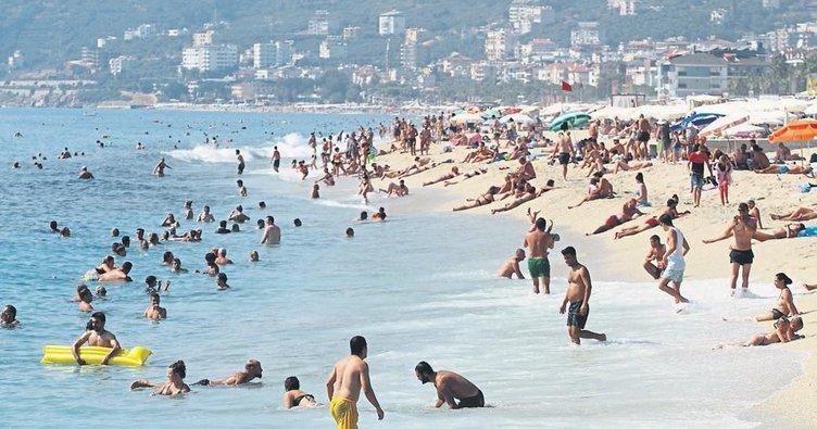 Antalya sahillerinde yaz henüz bitmedi