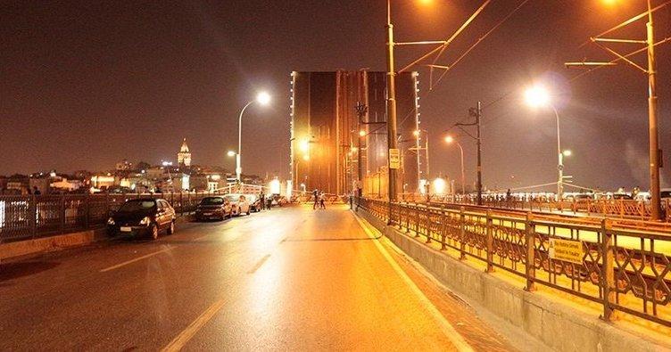 Haliç'teki 3 köprü trafiğe açıldı