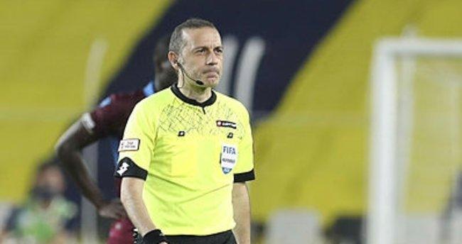 Cüneyt Çakır dev maçta iki kritik hata yaptı!