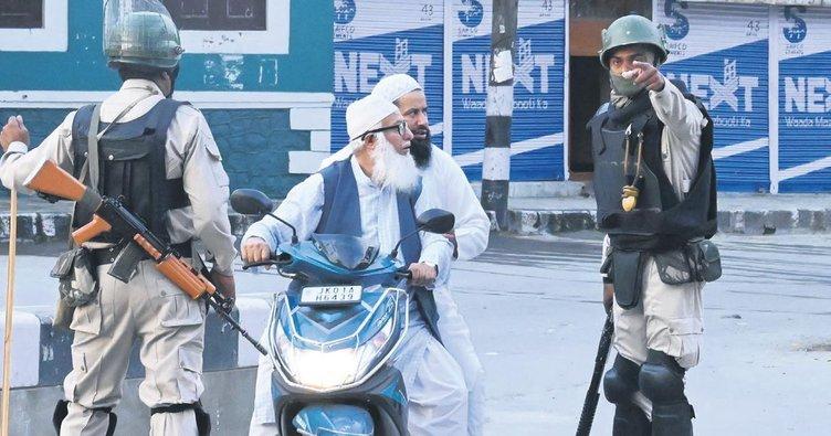 Keşmir'de Müslümanların haklarına kısıtlama