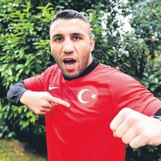 Avni Y�ld�r�m: Ben Galatasaray'�m, Dirrell ise Arsenal
