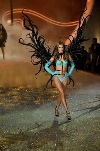 2013 Victoria's Secret defilesi