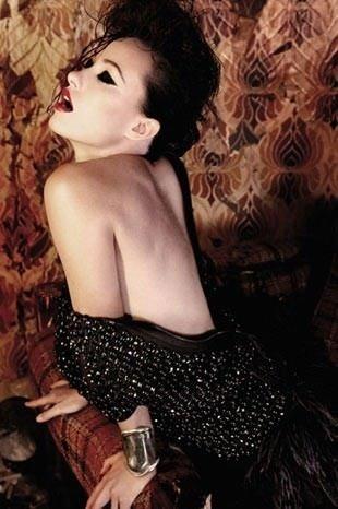 Olivia Wilde'dan cesur pozlar