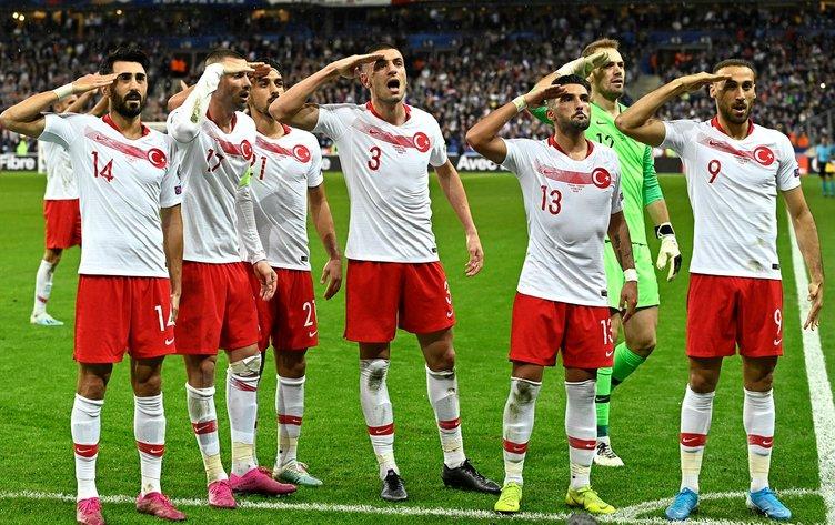 Asker selamına soruşturma başlatan UEFA'nın ikiyüzlülüğü