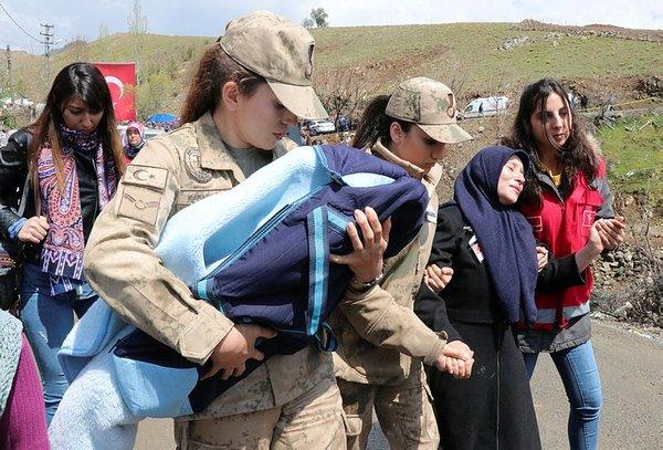 Bitlis şehidi son yolculuğuna uğurlandı!
