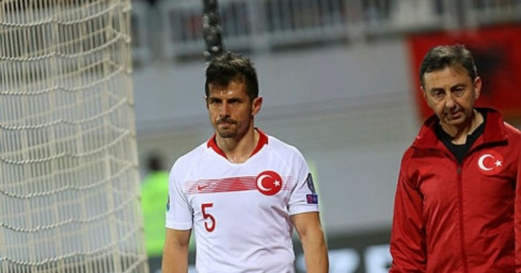 Son dakika: Emre Belözoğlu kadrodan çıkartıldı!