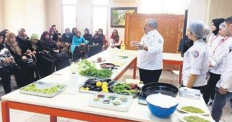 Kadınlara iftar sofrası eğitimi