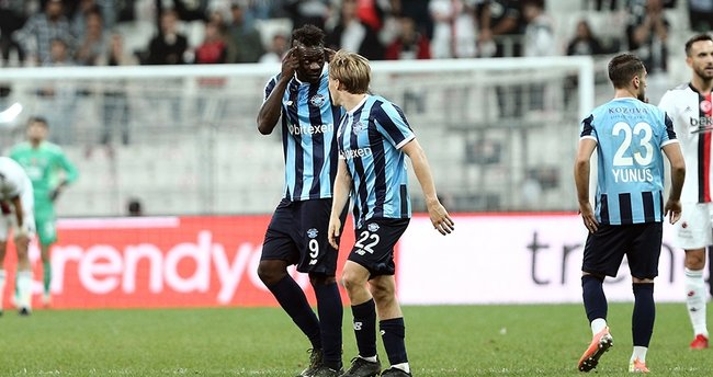 Beşiktaş-Adana Demirspor maçı sonrası saha karıştı! Balotelli ve Murat Şahin...
