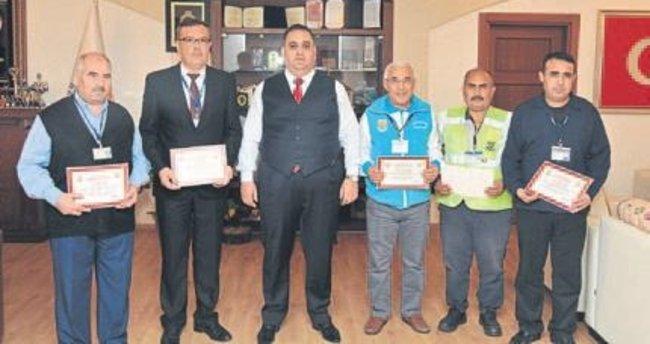 Belediyenin başarılı çalışanlarına ödül