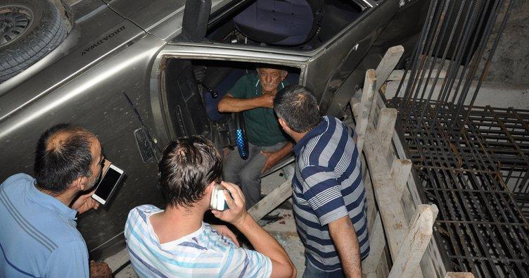 Otomobil, inşaatın temeline düştü: 2 yaralı