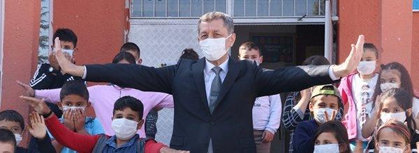 Son dakika   Milli Eğitim Bakanı Ziya Selçuk'tan flaş karne, yüz yüze eğitim ve telafi eğitimi açıklaması