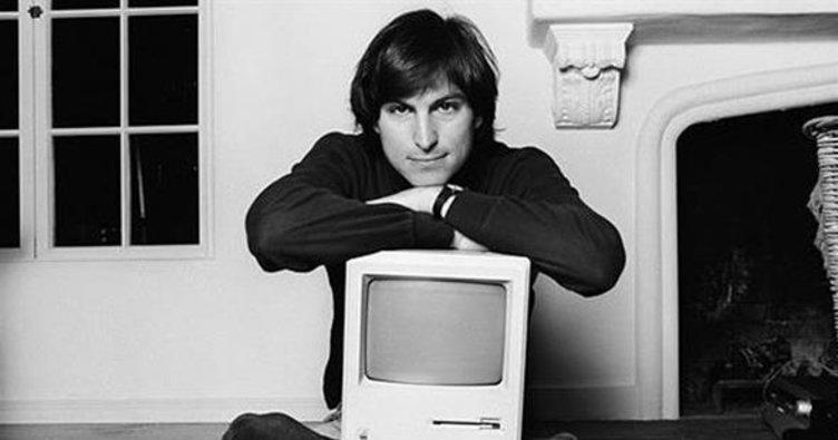 Steve Jobs'un iş başvuru formu açık arttırmaya çıkacak