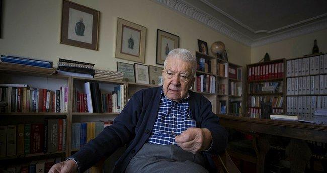 Babası Menderes döneminin bakanlarından olan Demirer'den 'Türkçe ezan' değerlendirmesi: