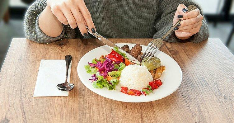 Rüyada yemek yemek ne anlama gelir ve nasıl tabir edilir? Rüyada yemek yapmak manası nedir?