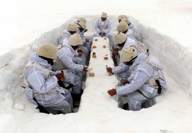 Komandolar göreve hazır