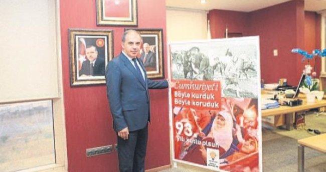 AK Parti İzmir'den Cumhuriyet kitapçığı