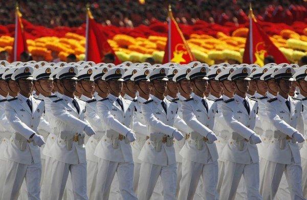 Çin'den 60. yılında gövde gösterisi