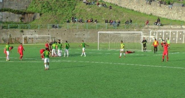 Kaçan penaltıdan sonra 'Allah büyüktür' dedi, golü yedi!