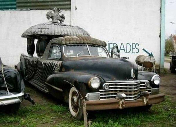 Dünyadaki ilginç cenaze arabaları