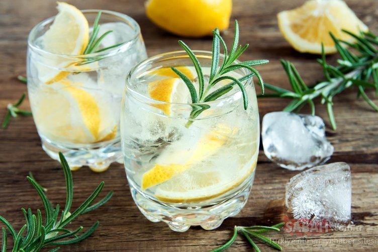 1 ay boyunca limonlu su içmenin mucizevi yararları