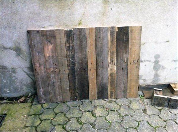 Sadece eski tahtaları kullanarak bakın ne yaptı?