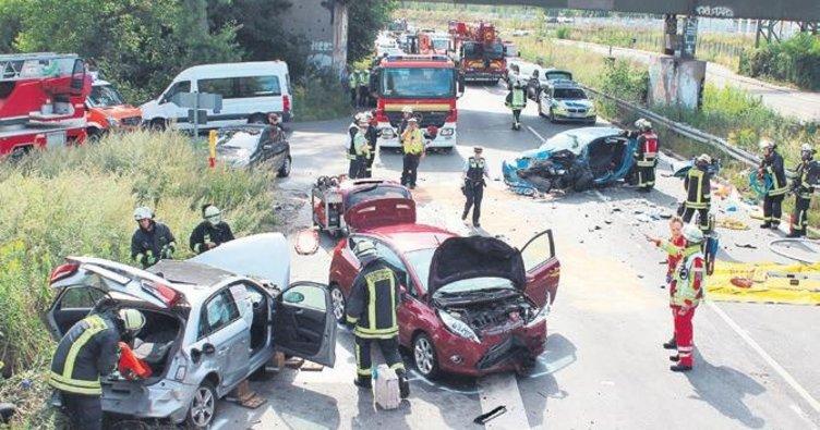 Üç kadının ters yön kazası