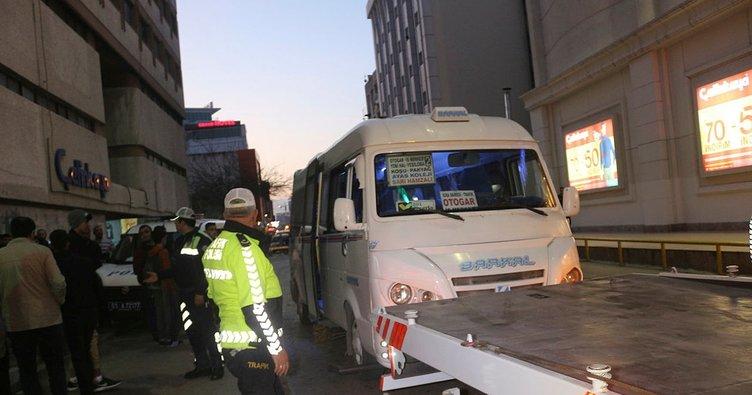 Adana'da minibüs şoförü silahlı saldırıda hayatını kaybetti