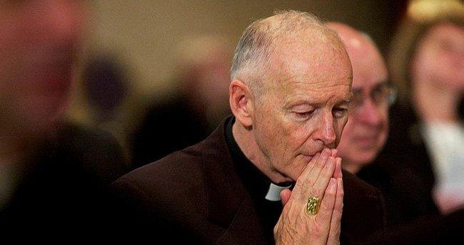 Eski kardinal hakkında cinsel istismar suçlaması