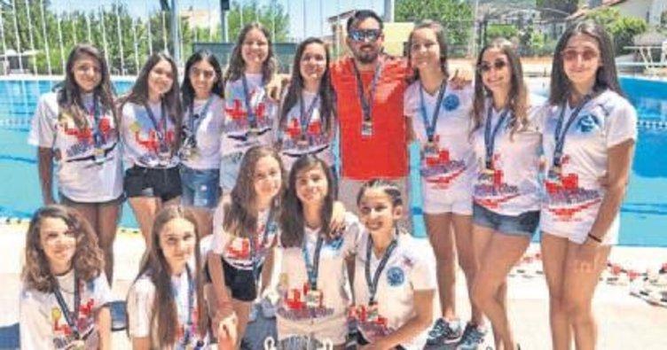 Şampiyonluk kupası İskenderun'a geldi