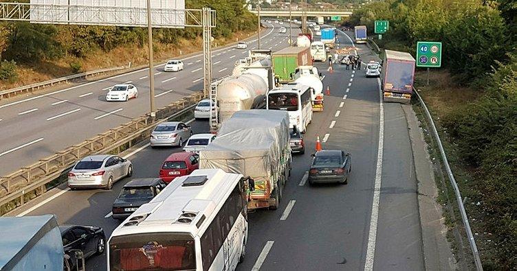 Sapanca'da trafik kazası: 1 ölü, 2 yaralı