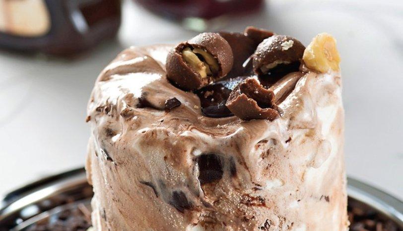 Çikolatalı Dondurmalı Pasta Tarifi