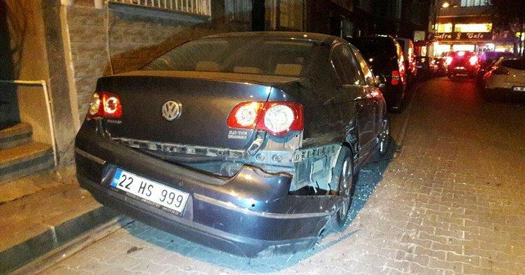 Altı otomobili parçalayan TIR, eve daldı