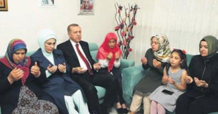 Erdoğan şehit ailesiyle iftar yaptı