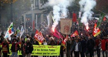 Fransa'da reform karşıtları sokakları savaş alanına çevirdi