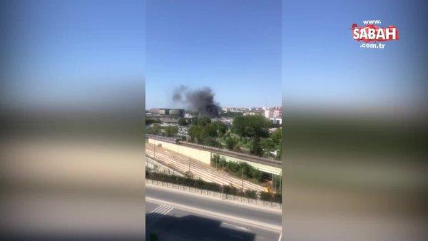 Son dakika haberi   İstanbul Zeytinburnu'nda metrobüs yangını   Video