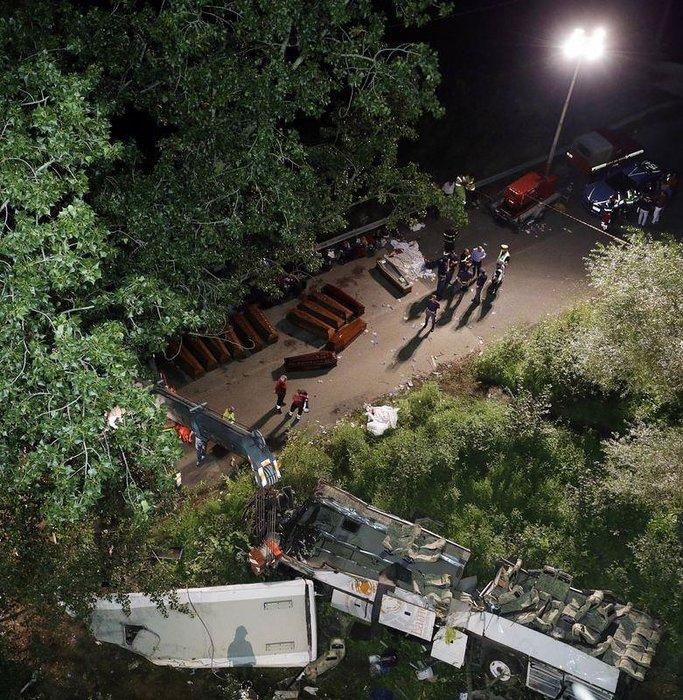 İtalya'da feci kaza 37  can aldı