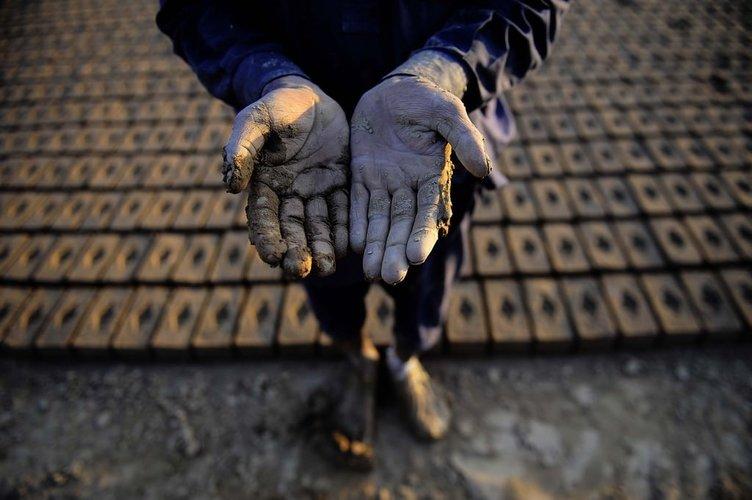 Tuğla ocağı işçileri