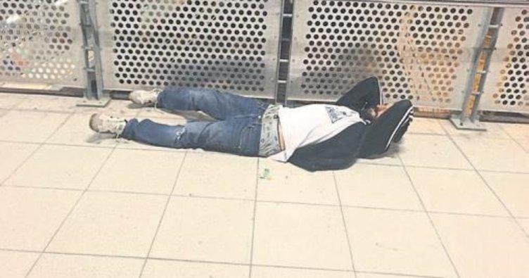 Uyuşturucu kullandı istasyonda bayıldı