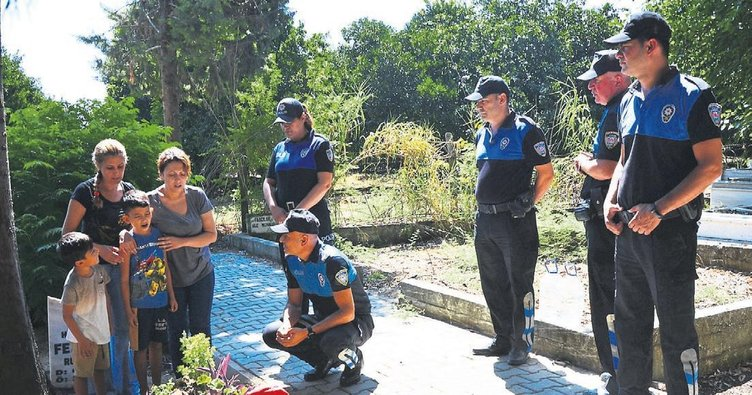 Polisler Alptuğ'un mezarını ziyaret etti