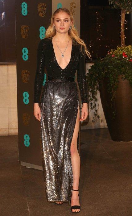 Game of Thrones'un yıldızı Sophie Turner güzellik sırrı ile şaşırttı