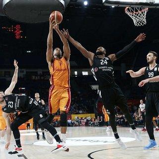 Derbide zafer Galatasaray Odeabank'�n