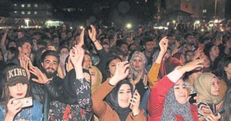 Resul Dindar'dan MAKÜ'de konser