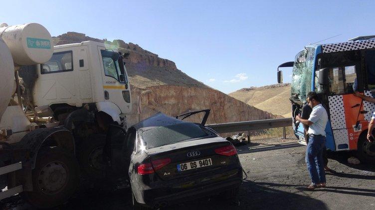 Mardin'de zincirleme trafik kazası: 2 ölü, 13 yaralı!