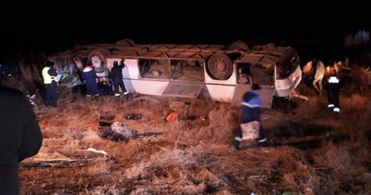 Kazakistan'da yolcu otobüsü devrildi: 7 ölü, 28 yaralı