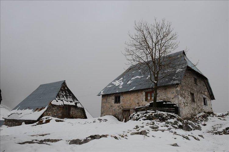 Lukomir köyünde kış sessizliği