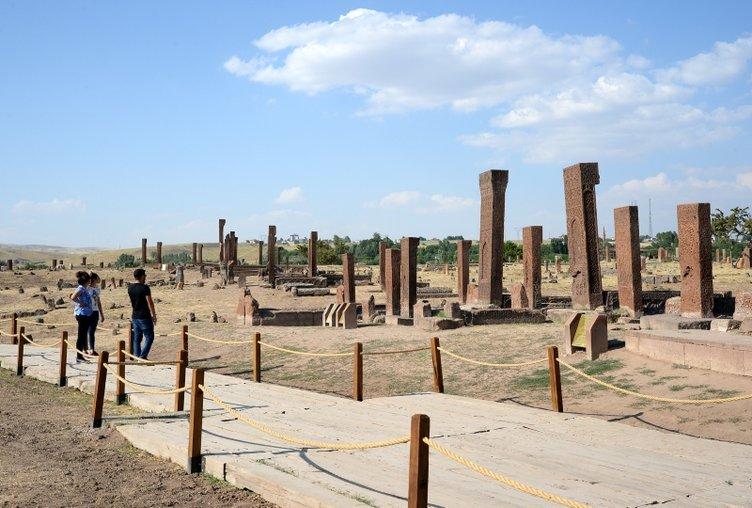 Selçuklu Meydan Mezarlığı'nda Malazgirt ilgisi