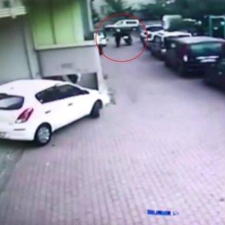 Motosikleti çaldılar, sahibinden para istediler