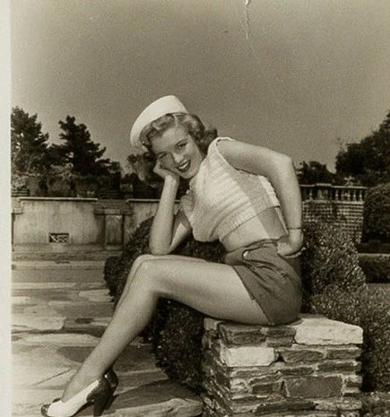Marilyn Monroe hiç görülmemiş fotoğraflarıyla şaşırttı!